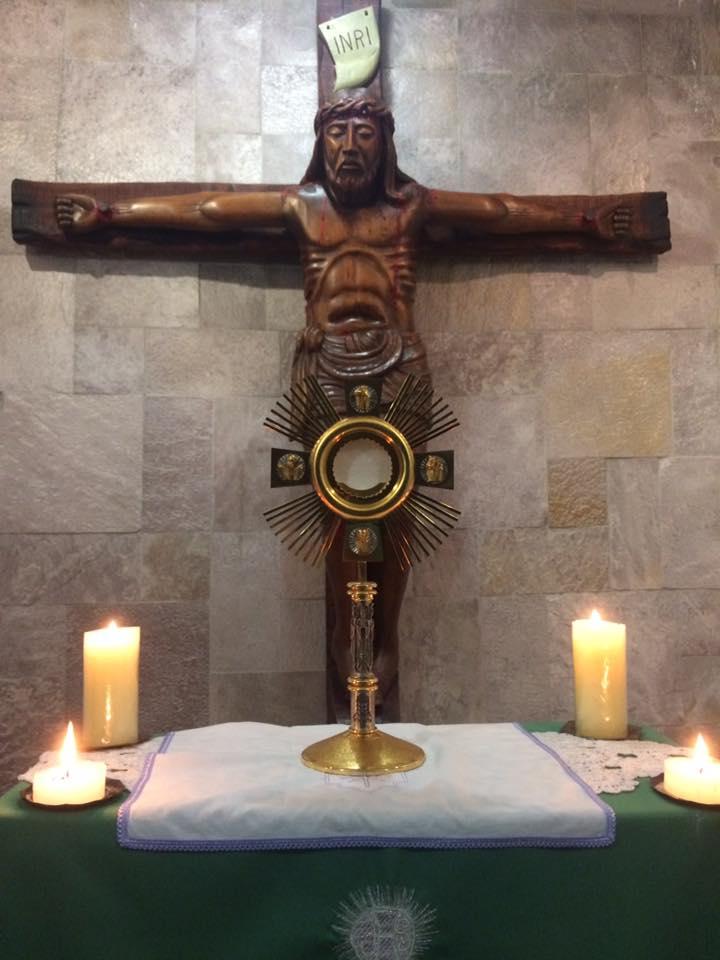 Dia de adoração em nossos Mosteiros