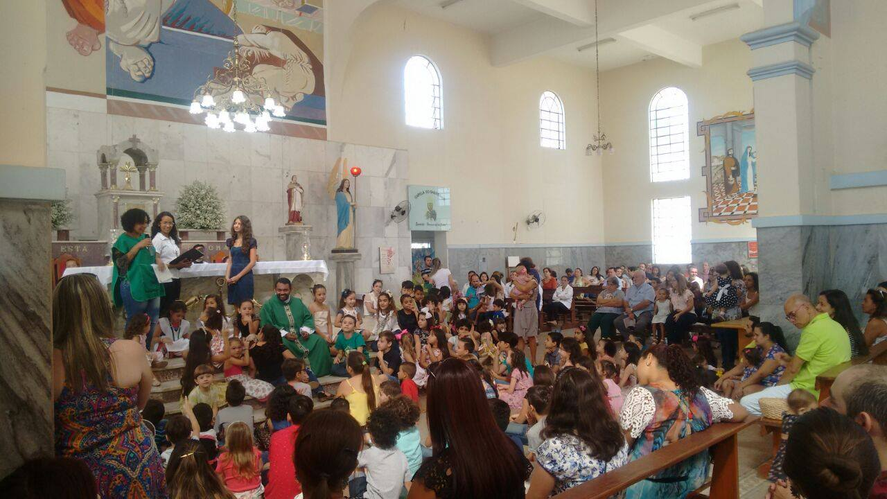 Historinha na Missa das crianças em Lagoa da Prata